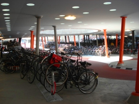 bike-parking-train-4