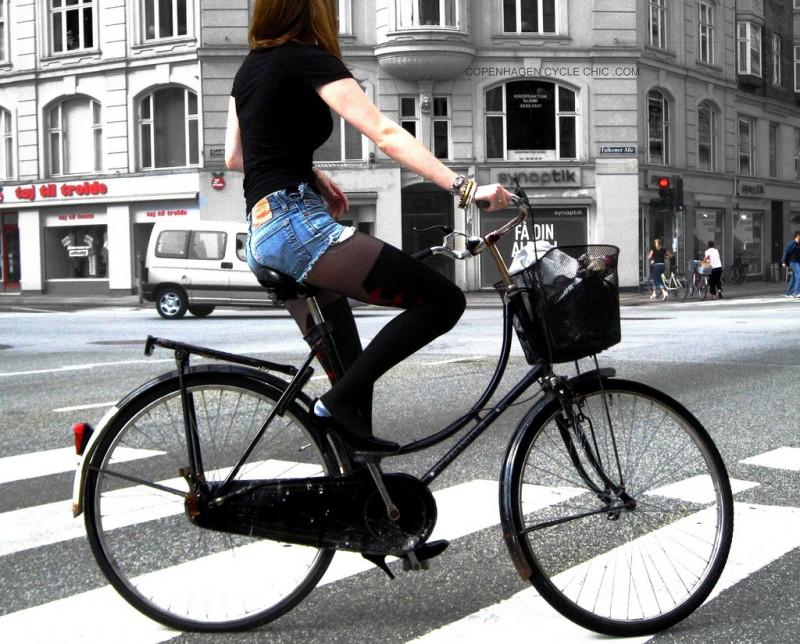 Copenhagen Fashionista on Wheels